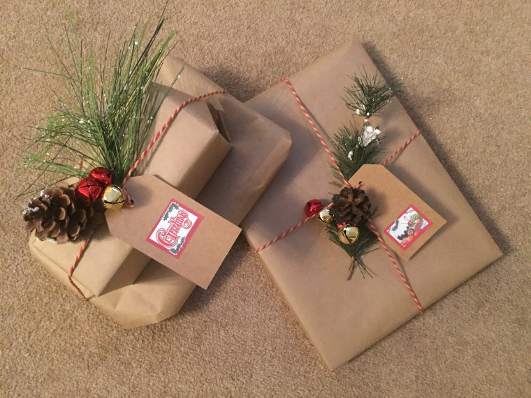 How to wrap Christmas presents DIY