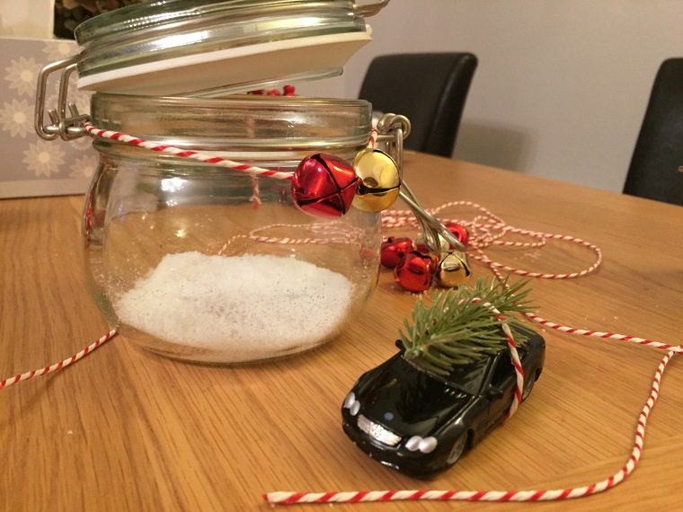 the-little-lash-room-diy-christmas-decoration-car-in-a-jar-4